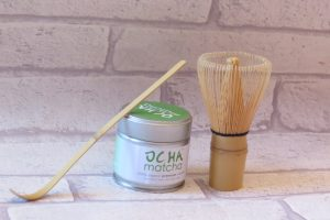 ocha matcha tea set with scoop and whisk